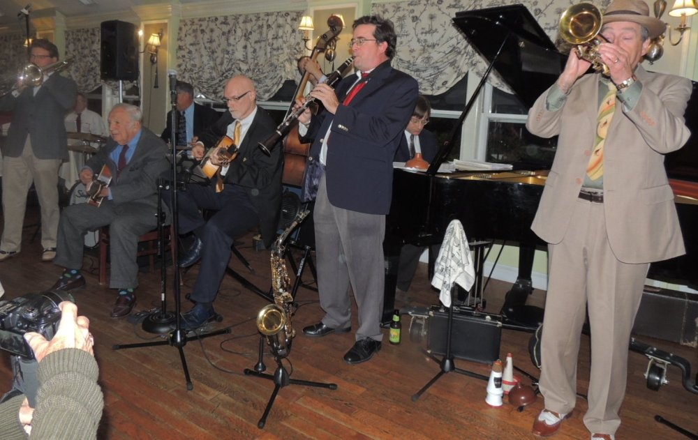 Bucky Pizzarelli with 6 pc Swing Band