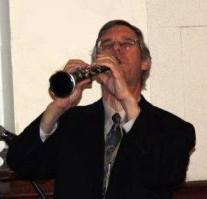 Joe Midiri on clarinet