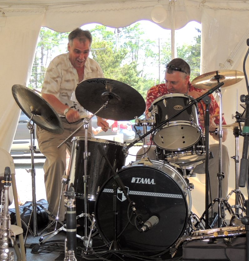 Steve Taddeo joins Tom Palinko on drums for finale