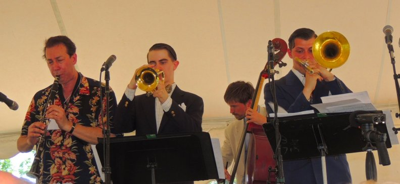 Dan, trumpet, string bass, trombone