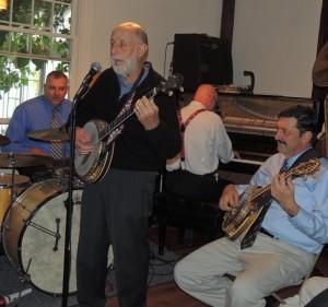 Joel with banjo leading sing-along, Palinko drums, Barnhart piano, Barta banjo