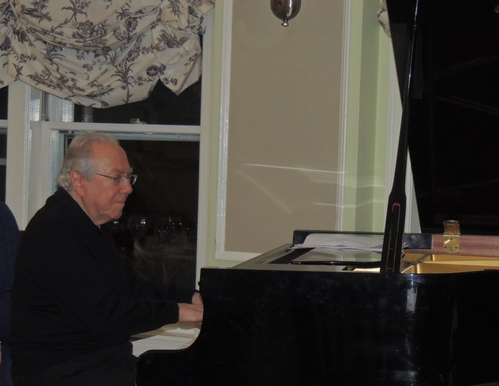 Bob Winter on piano