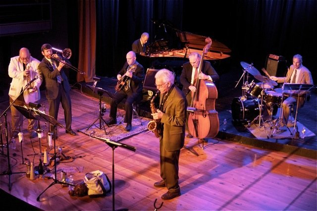 7-piece Dixieland Band with guitar
