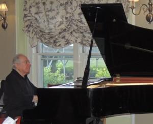 Bob Winter on piano