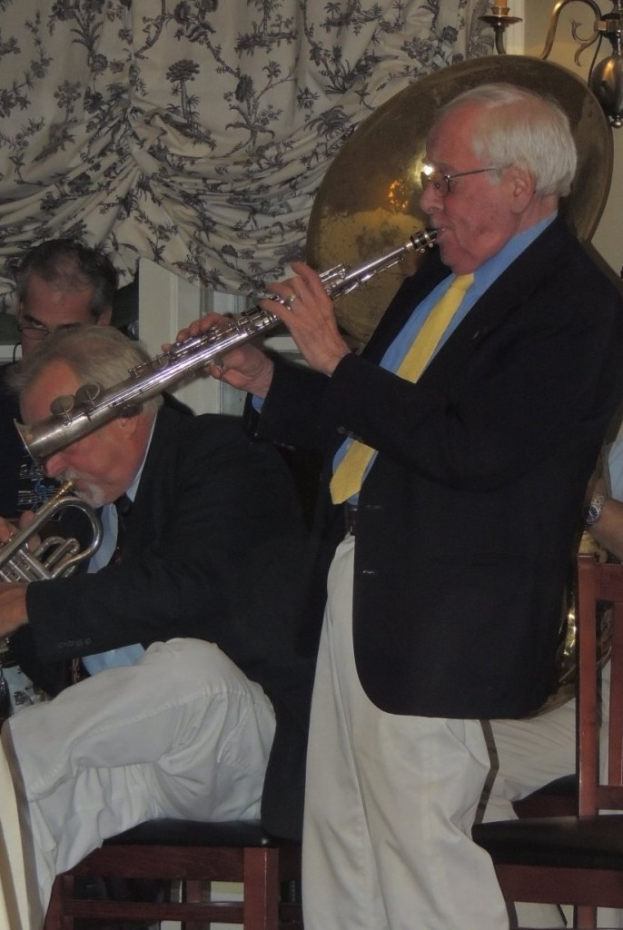 Stan standing, concluding with fine soprano sax