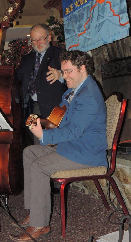 Jack Soref plays Gypsy Jazz!