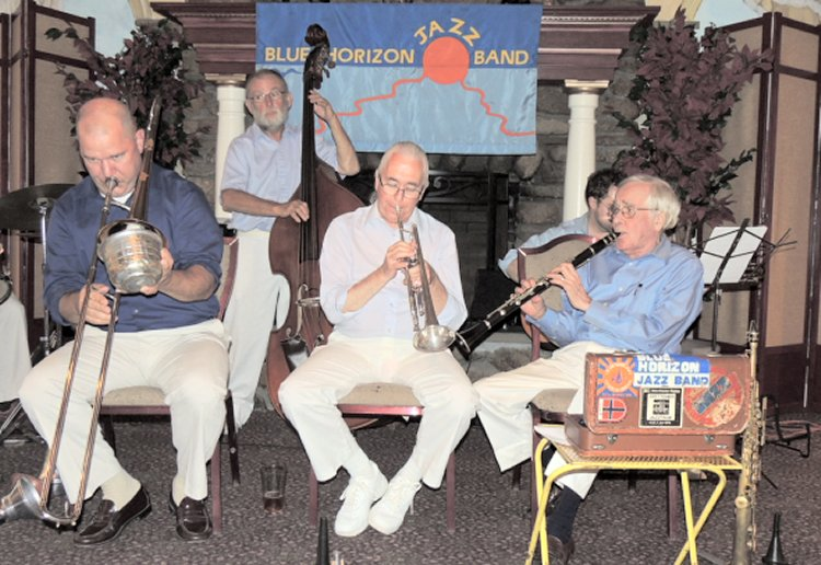 trombone, trmpet, clarinet, string bass in back